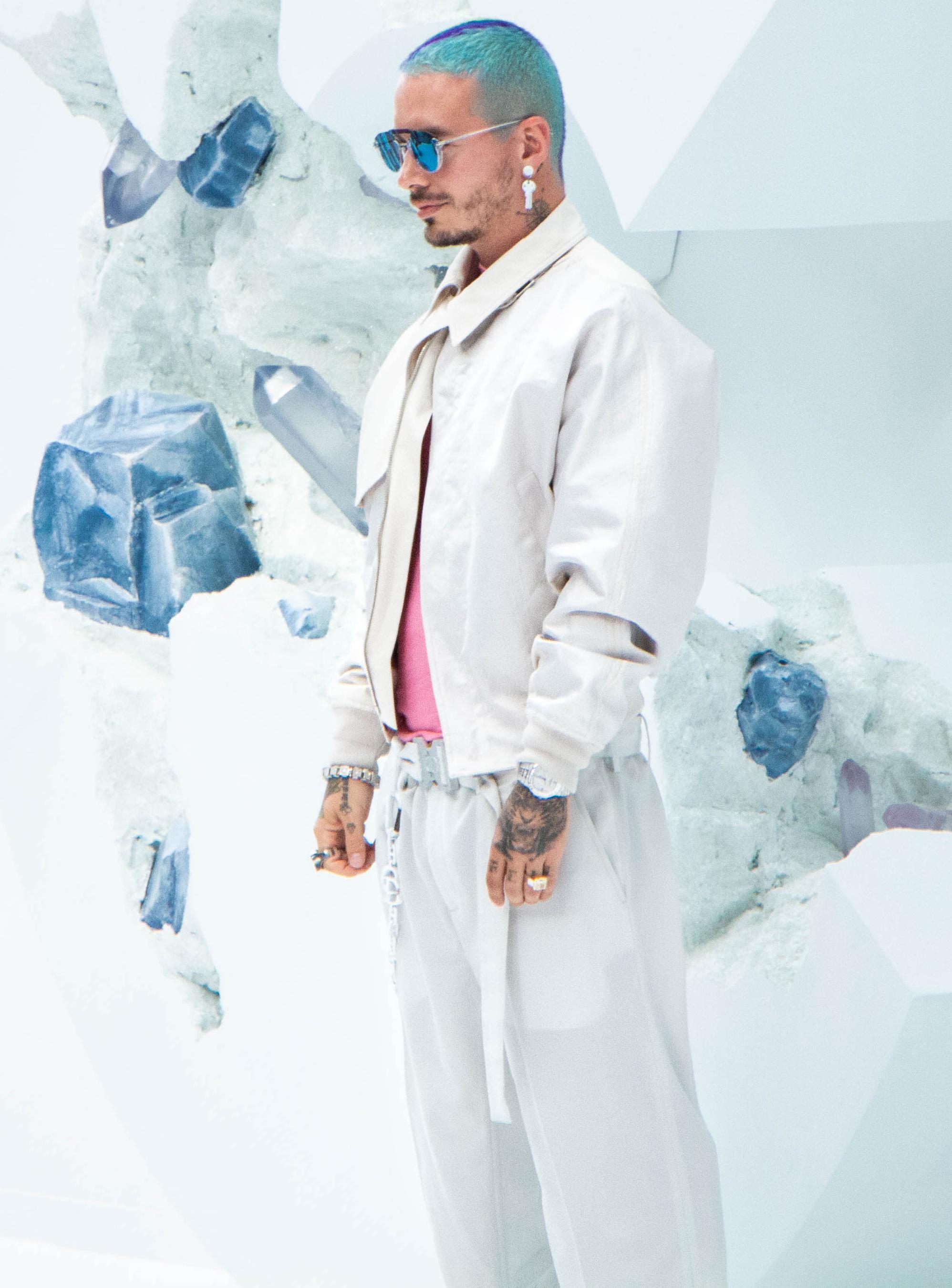 chanteur José Balvin au defile Diior